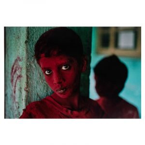 steve mccurry red boy