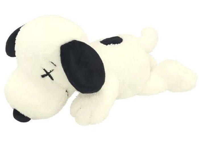 Kaws Uniqlo Snoopy